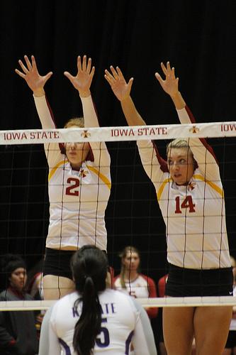Block Volleyball Tips: Penetrate Arms and Shoulders Over the Net (Matt Van Winkle)