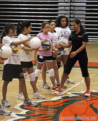 Types of Serves in Volleyball: The Underhand Volleyball Serve: When players first learn the basic skills in volleyball they are usually taught how to underhand serve first.(Panamericanonline)