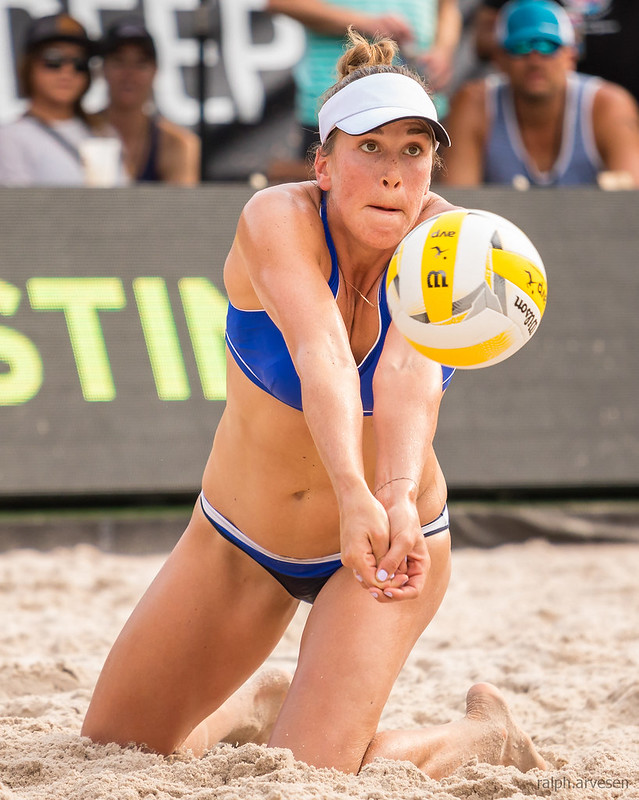 Learn to fine tune your sand setting technique and improve your beach volleyball setting skills by facing your target and building leg muscle speed and strength (Ralph Aversen)