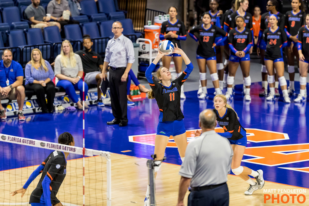 Learn To Set A Volleyball Correctly #4 Square Your Body and Shoulders to Face Your Target (Matt Pendleton Photo of Florida Gator Volleyball Setter)
