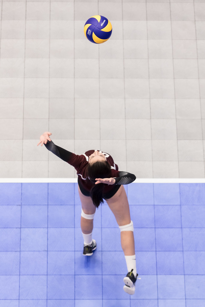 Volleyball serving at the 2017 Canada Games (Matt Duboff photo)
