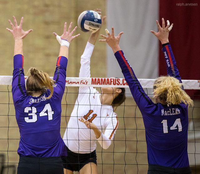 What blocker volleyball tactics is your team going to use to stop an opposing team's attack hits? (Ralph Aversen)