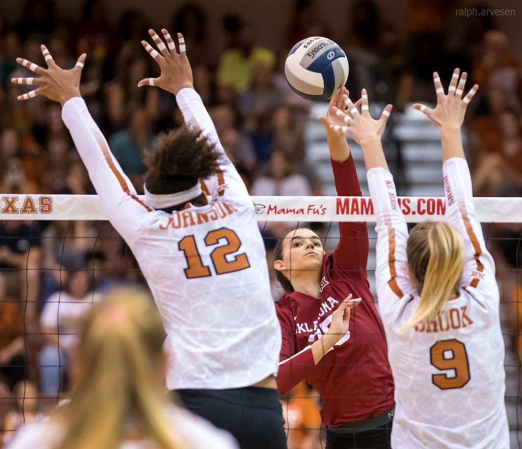Middle Blocker Volleyball Position Offensive and Defensive Responsibilities: The Texas middle blocker blocks the cross court and the outside blocker takes the seam. (Ralph Arvesen)