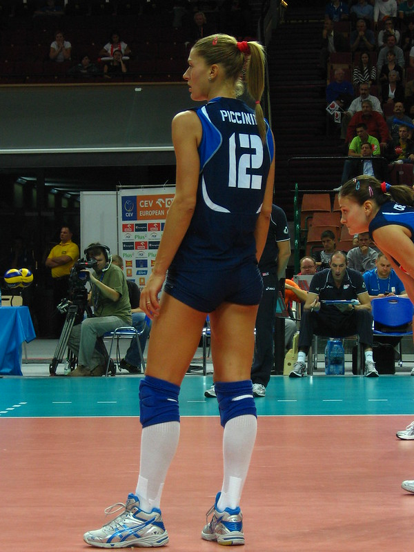 Piccinini is best known for playing in the Foppapedretti Bergamo (formerly Volley Bergamo), a top flight Italian volleyball club, for 12 years (1999-2011) (Piotr Drabick)