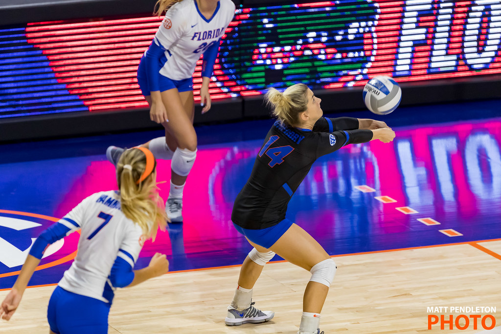 Florida Gators libero passing a ball. (Matt Pendleton photo)