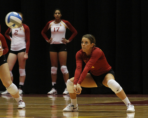 Learn how to improve your volleyball skills for digging with these basic volleyball steps.  (Matt Van Winkle)