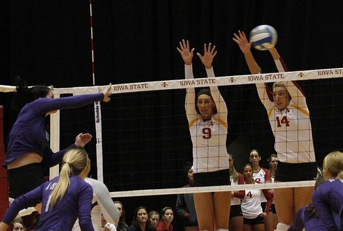 Blocker Volleyball Footwork and Block Jump Timing