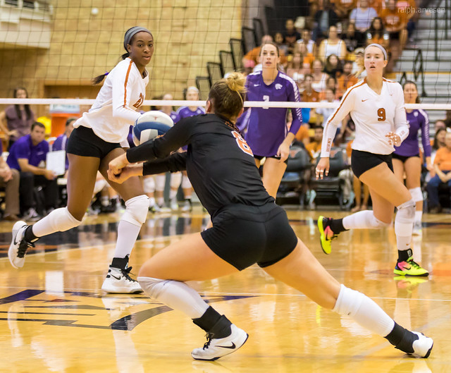 Volleyball Basic Rules: The libero wears contrasting colored jerseys than her teammates so its easy to differentiate her from the rest of the team. (Ralph Aversen)