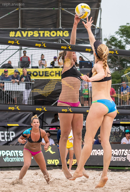 Learn the most basic beach volleyball rules adopted by the AVP that will get you started on your beach volleyball playing career. (Ralph Aversen)