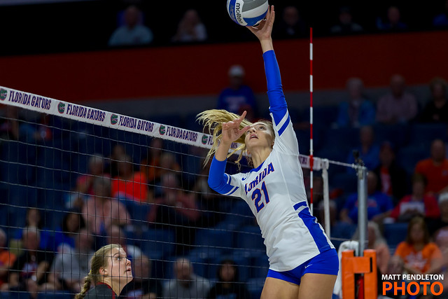 Florida Gator setter dump attempt while blocker watches ready to jump. (Matt Pendleton photo)