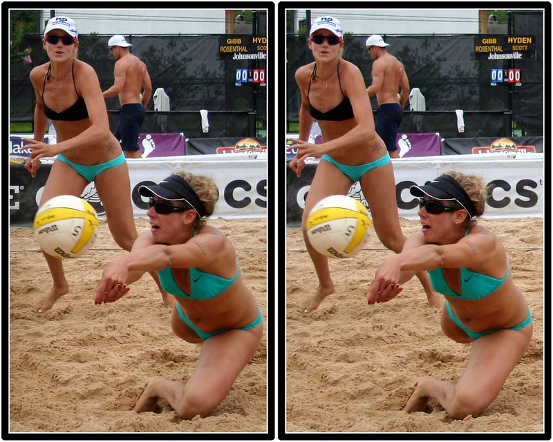 Jennifer Kessy watches her partner April Ross pass during a match. (Fossil Mike)