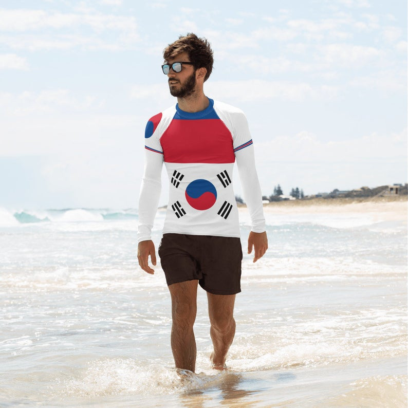 Here are 12 of our most comfortable, most colorful and guess what? Also the coolest long sleeve rash guard outfits you can wear to beach or volleyball practices.