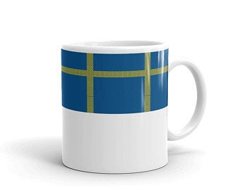 Gifts for volleyball players - Mugs inspired by the Swedish flag by Volleybragswag. Click to shop now!
