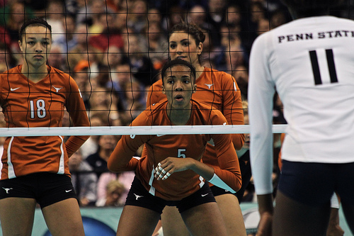 Texas blockers, including ISA Olympian Rachael Adams communicate with each other at the net calling out who the opposing hitters are in serve receive.