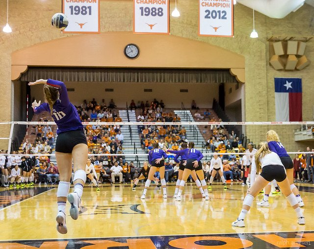 A rally begins when one of the teams sends the ball over the net with a serve from their endline into the opponent's court. (Ralph Aversen)