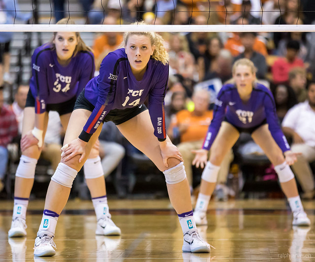 Before the serve keep feet shoulder width apart in a balanced position with knees bent and right foot 2 inches in front of your left. Hands on knees with shoulders over the knees. (Aversen)