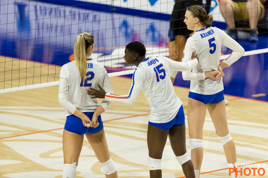 Volleyball Skills For Digging: florida gators talk about where the opposing team hitters are in the front row and who's going to take who. (Matt Pendleton photo)