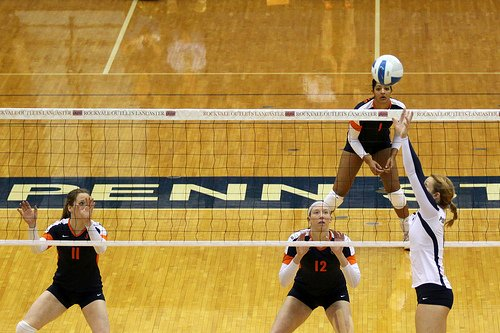 Volleyball Blocking Advice: Illini Volleyball players watching the opposing setter in a loaded Blocking Ready Position (Photo Richard Yuan)