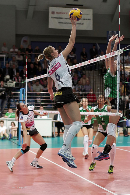 Volleyball Attacking the Tip: Midway through your swing, you slow down your arm while keeping your elbow high, to make contact with your fingertips on the ball. (Jaroslaw)